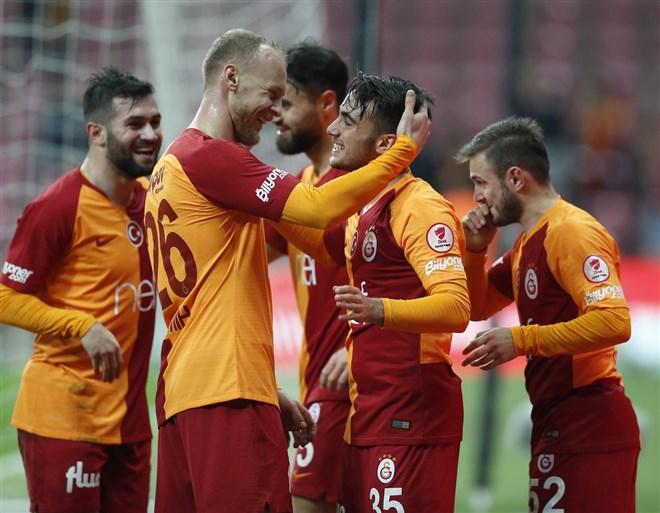 """""""Galatasaray, Trabzonspor maçında avantajlı"""""""
