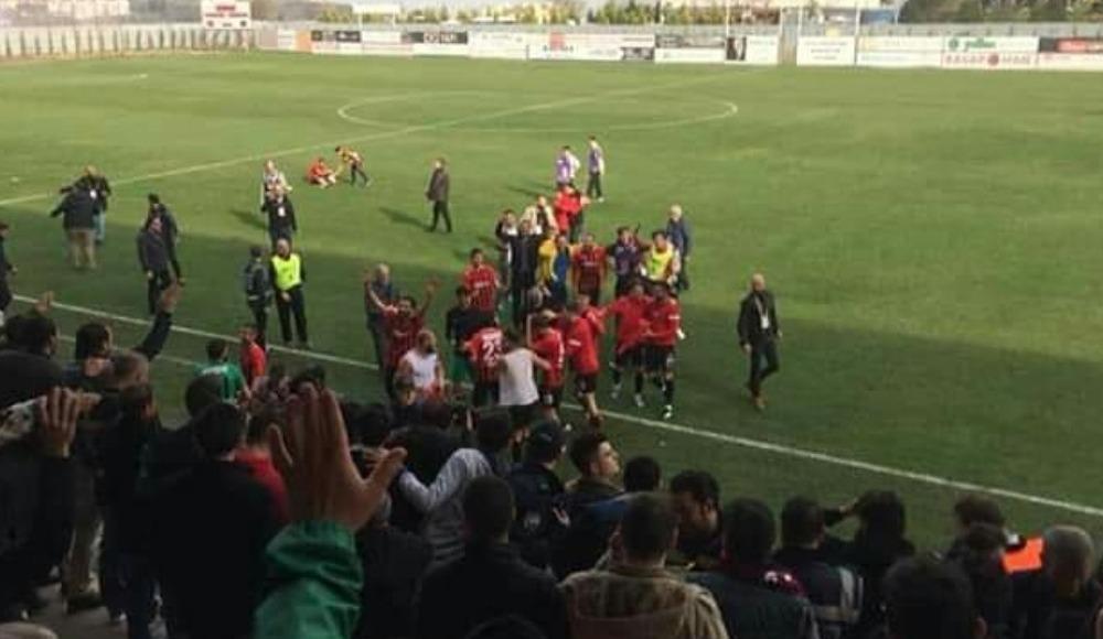 Turgutluspor-Kocaelispor maçının ardından taraftarlar arasında kavga çıktı