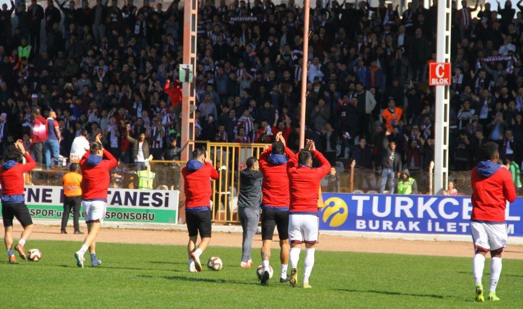 """""""Hatayspor ilk 2 ve Play-Off'u kovalıyor"""""""