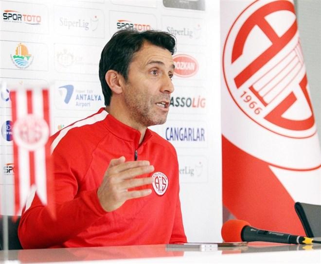 Bülent Korkmaz'dan Başakşehir maçı değerlendirmesi: ''Sıçrama maçı''