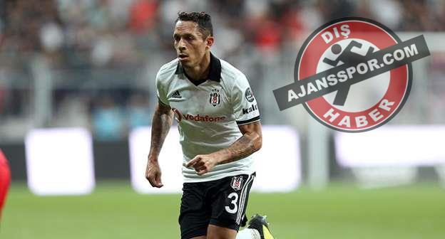 Santos, Adriano transferinden vazgeçti