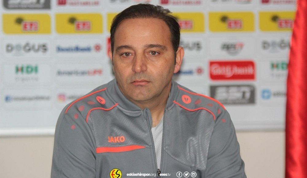 Fuat Çapa'dan büyük jest! Karabükspor maçında yaptığı o hamleyle alkış aldı...