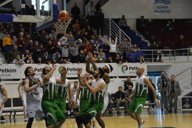 Petkim Spor, evinde ağırladığı Bursaspor'u 72-69 yendi