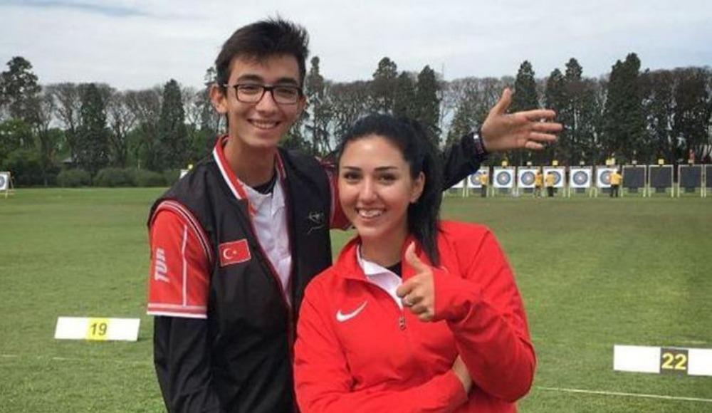 Mete Gazoz ve Yasemin Anagöz'e büyük gurur!