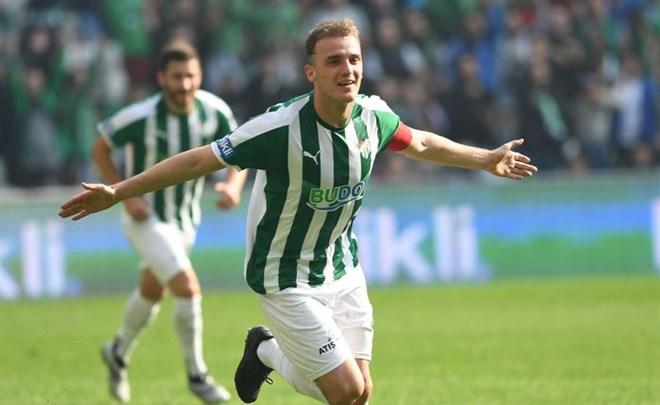 Ertuğrul Ersoy, Bursaspor'un yeni sezon kadrosunda yok