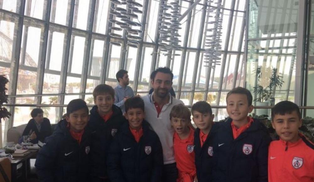 Altınordu, Katar'da Xavi ile buluştu