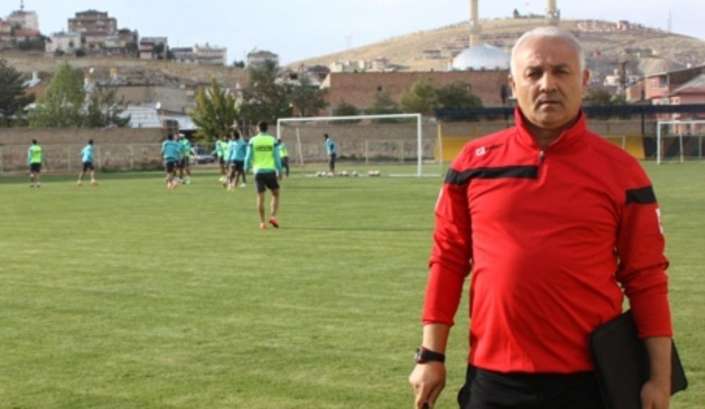 Diyarbekirspor'da Türkoğlu ile yollar ayrıldı