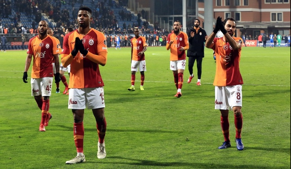 Galatasaray'da Donk'un sözleşmesi otomatik uzadı!