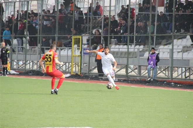 Elaziz Belediyespor sahasında karşılaştığı Kızılcabölükspor'a 3-0 mağlup oldu