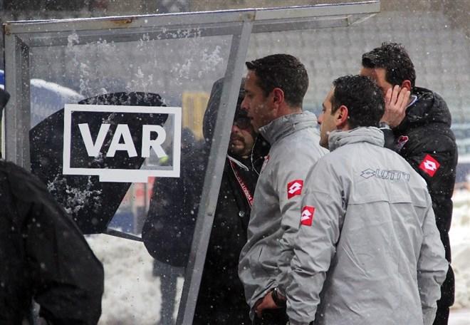 """""""VAR için özel hakemler yetiştirilmeli"""""""