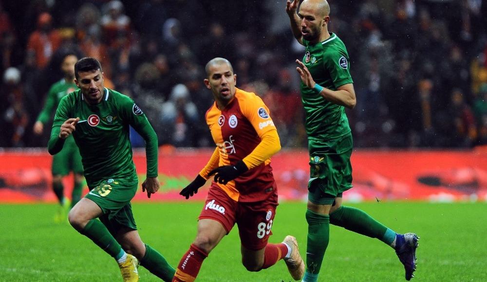 """Feghouli: """"Böyle anları yaşamak için futbol oynuyoruz"""""""