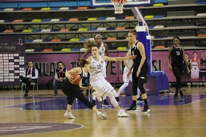 Çukurova Basketbol, Beşiktaş'ı 77-66 mağlup ederek yarı finale çıktı