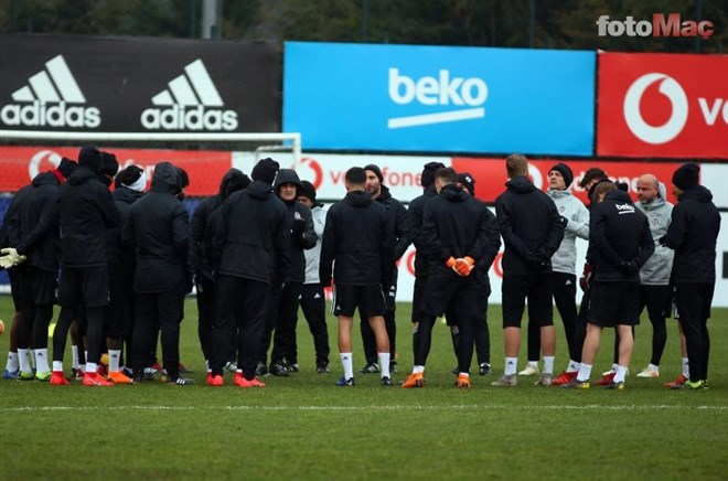 Beşiktaş'a şok! 2 isim kadrodan çıkarıldı!