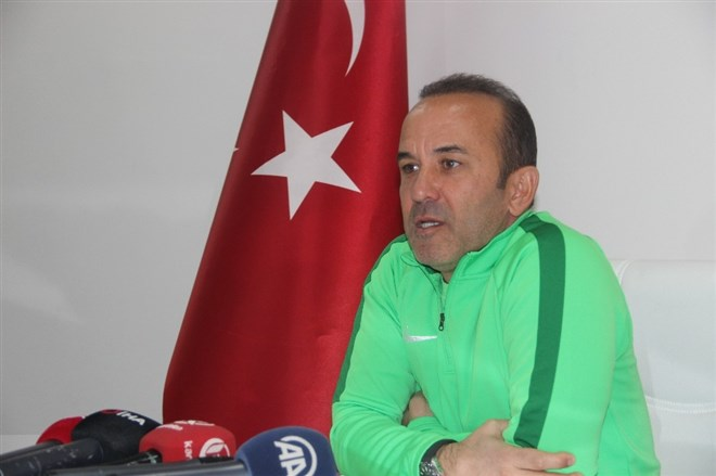 Mehmet Özdilek, Beşiktaş'tan teklif aldı mı? Açıkladı...