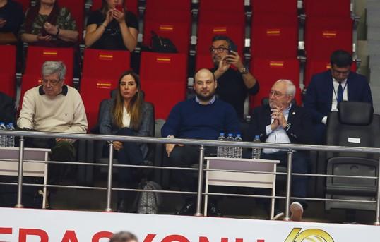 Fenerbahçe yöneticileri de derbiyi izledi
