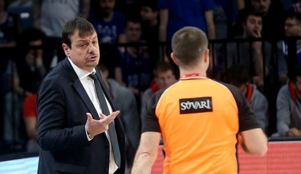 """Ergin Ataman: """"Geriden gelmenin vermiş olduğu tempoyla maçı kazandık"""""""