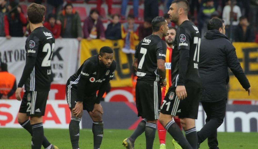 Beşiktaş'ta 7 ismin bileti kesildi!