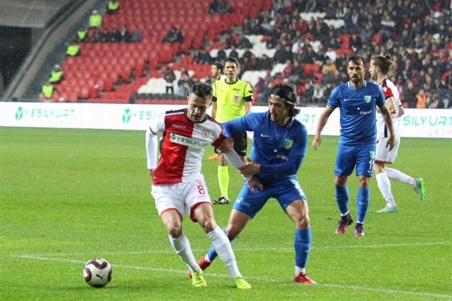 Yılport Samsunspor, sahasında Bodrum Belediyesi Bodrumspor'u 3-1 mağlup etti