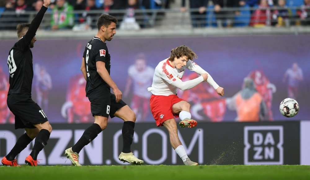Özet - RB Leipzig, sahasında Augsburg ile berabere kaldı
