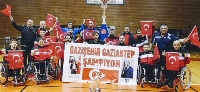Gazişehir Gaziantep namağlup şampiyon oldu