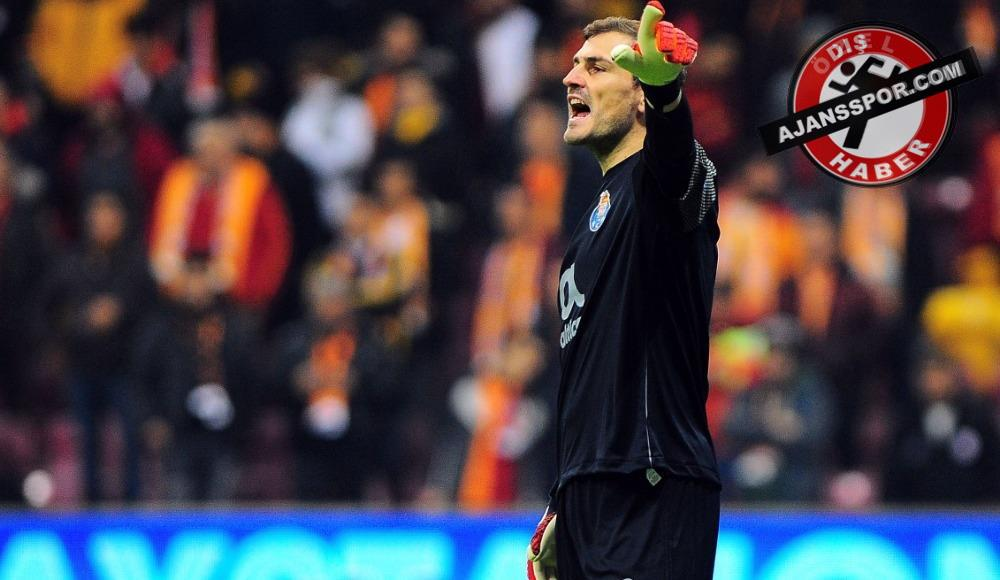Iker Casillas, Porto ile uzatıyor
