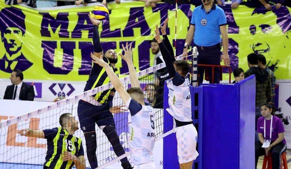 Fenerbahçe, Arkas Spor'u 3-1 yenerek yarı finale yükseldi