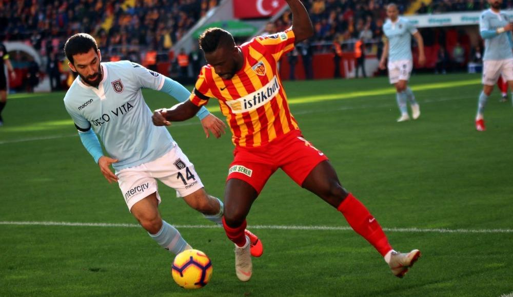 """""""Başakşehir puan kaybı yaşayabilir, Galatasaray maçlarını kazanmalı"""""""