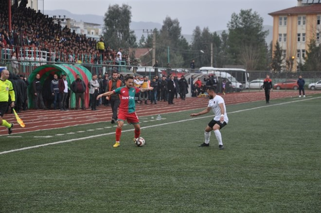 Cizrespor, konuk ettiği Gölcükspor ile 1-1 berabere kaldı