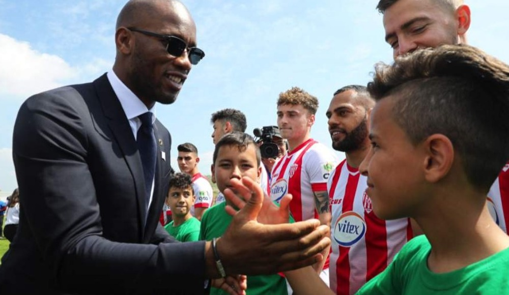Didier Drogba, Mağusa Türk gücü ve Nea Salamina dostluk maçına katıldı