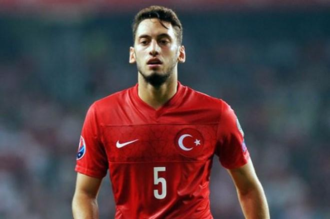 Milli Takım'da Çalhanoğlu şoku!