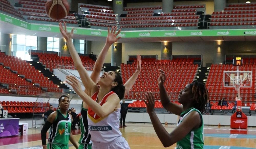 İzmit Belediyespor, deplasmanda Bellona Kayseri Basketbol'u 79-60 yendi