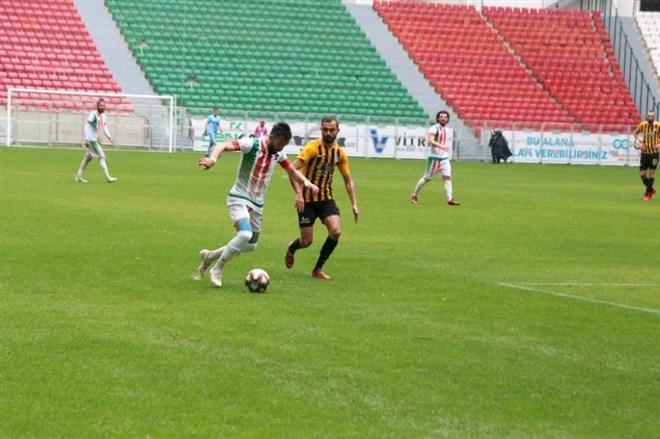 Diyarbekirspor, Bayburt İl Özel İdare'ye sahasında 2-0 mağlup oldu