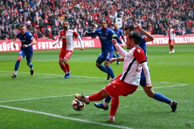 Samsunspor, Niğde Anadolu Futbol Kulübü'nü 2-0 mağlup etti