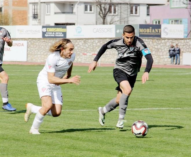 İnegölspor, evinde ağırladığı Manisaspor'u 5-1 mağlup etti
