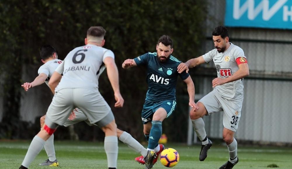 Fenerbahçe hazırlık maçında Eskişehirspor'u 4-0 yendi