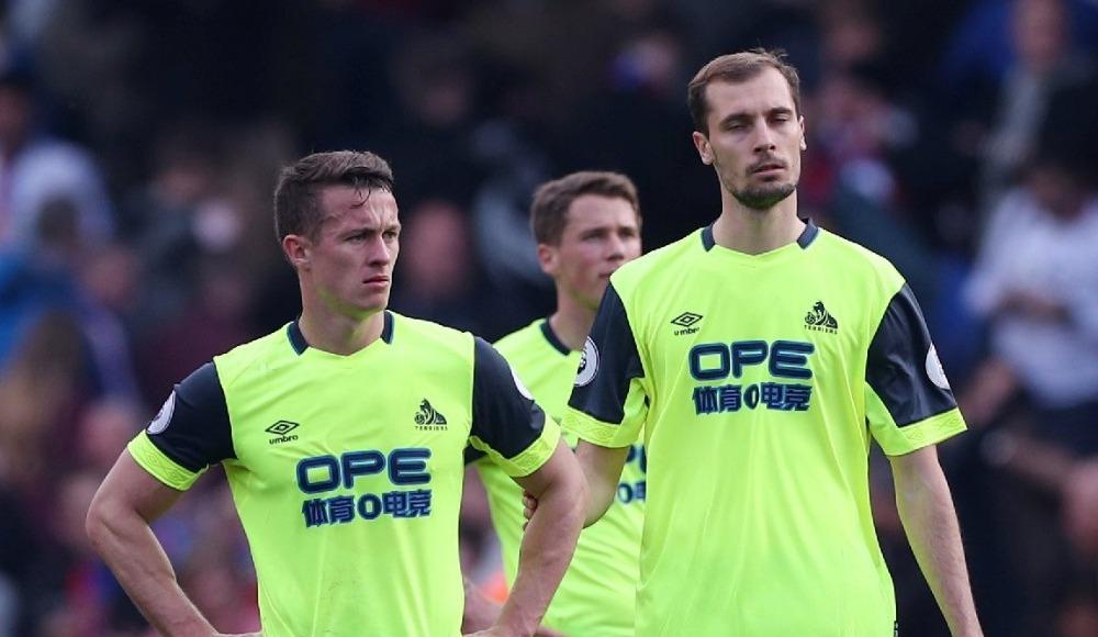 Küme düşmenin rekorunu Huddersfield kırdı!