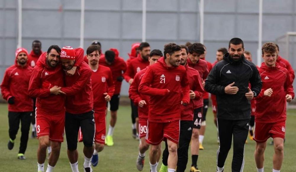 Sivasspor'da kan kaybı sürüyor