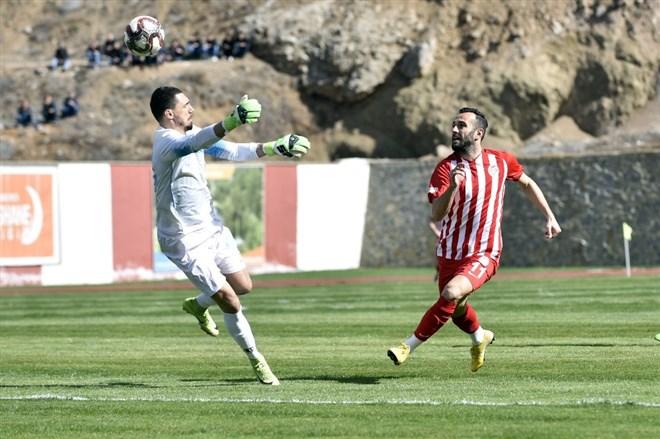 Gümüşhanespor, sahasında konuk ettiği Eyüpspor'la 1-1 berabere kaldı