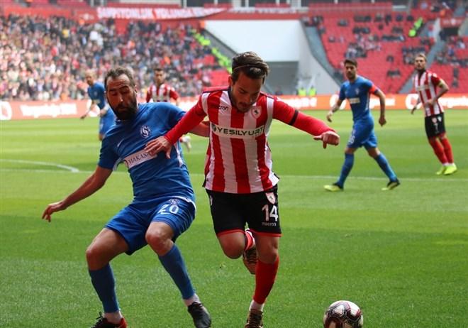Samsunspor, sahasında karşılaştığı Sarıyer ile 1-1 berabere kaldı