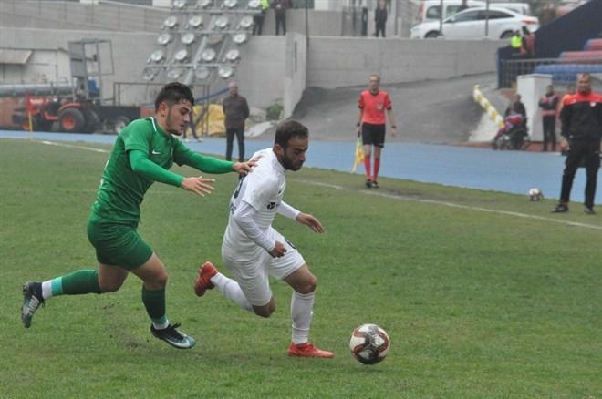 Zonguldak Kömürspor, sahasında Sivas Belediyespor'u 4-1 mağlup etti