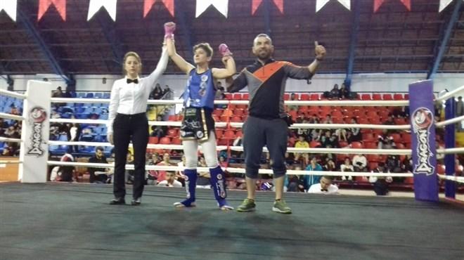 Çaydeğirmeni'ne Sude Nur Muaythai şampiyonluğu getirdi