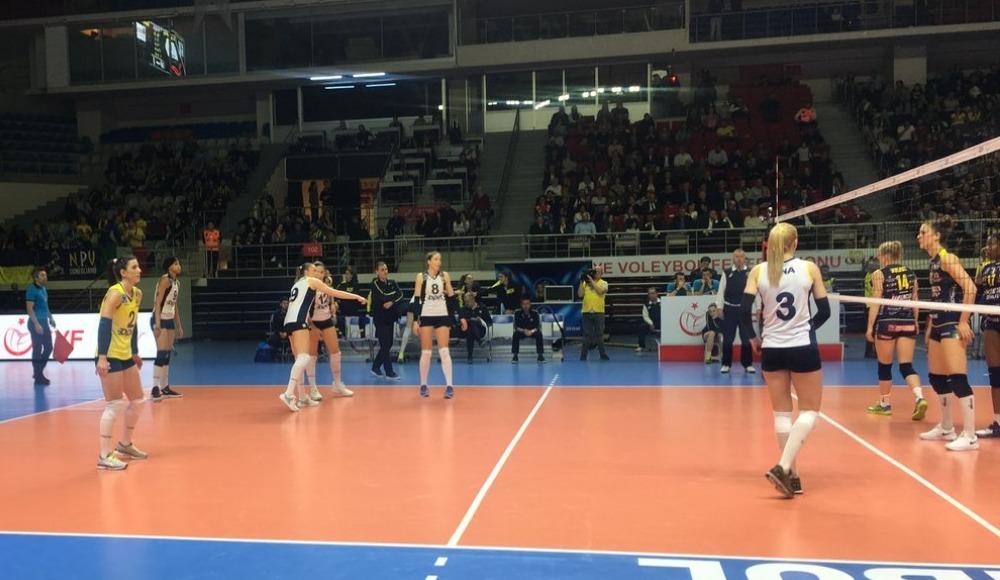 Fenerbahçe Opet, İtalya temsilcisi Imoco Volley'e 3-0 yenildi