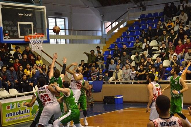 Karesispor evinde Konyaspor 92-80 mağlup etti