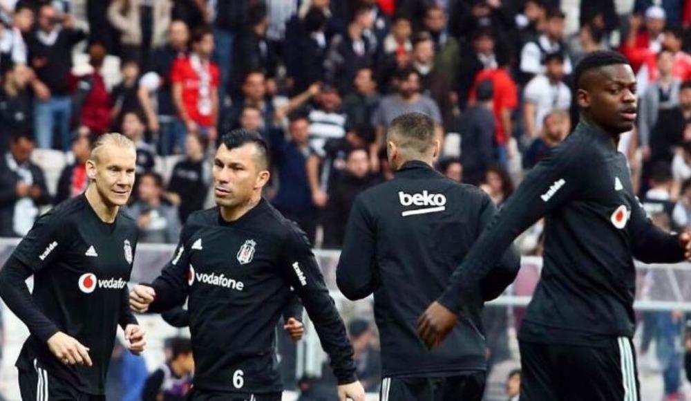 Beşiktaş taraftarlarından büyük destek