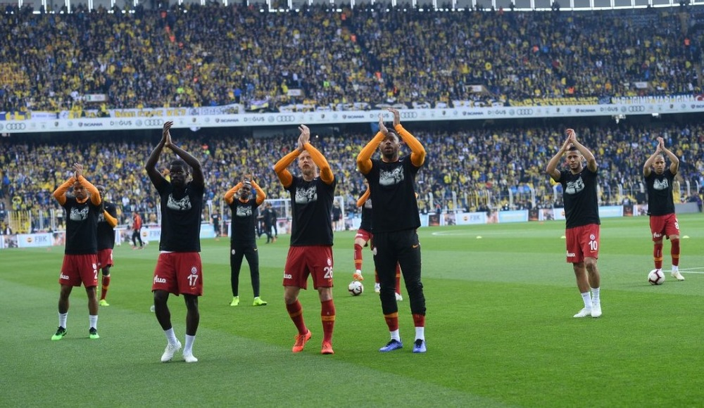 Galatasaraylı futbolcular, Can Bartu'yu unutmadı