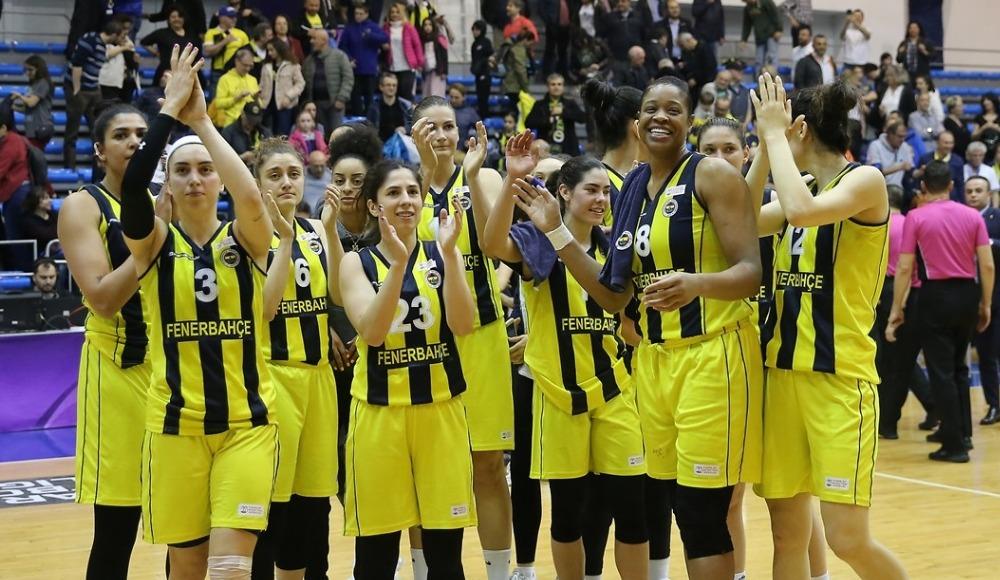 Fenerbahçe, konuk ettiği Beşiktaş'ı 105-80 yenerek seride 1-0 öne geçti