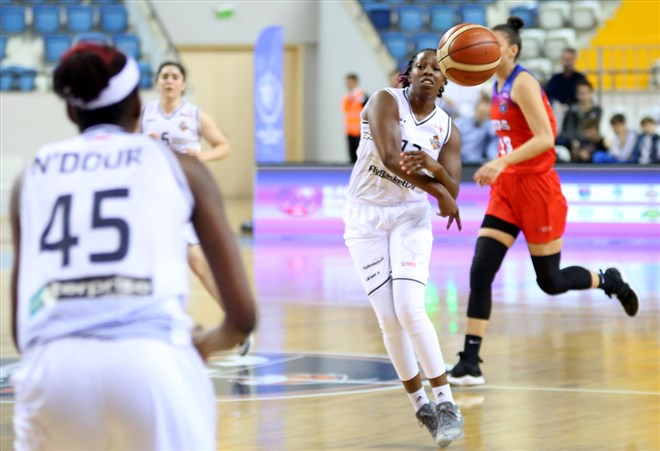 Çukurova Basketbol, sahasında BOTAŞ'ı 70-46 yenerek seride 2-0 öne geçti