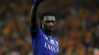 Al Hilal, Gomis'in sözleşmesini uzattı